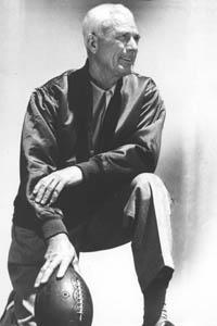 Lawrence T. 'Buck' Shaw, primo allenatore dei 49ers